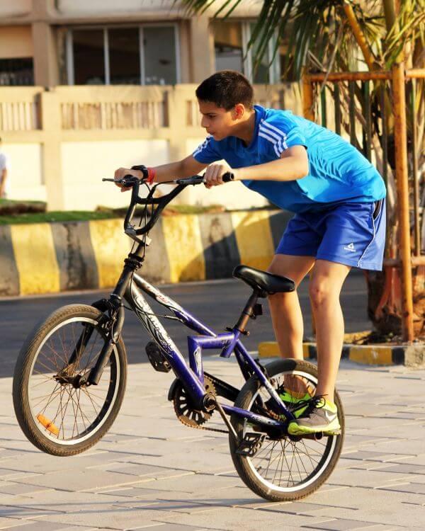 Kid Cycle Rider Tricks Stunts photo