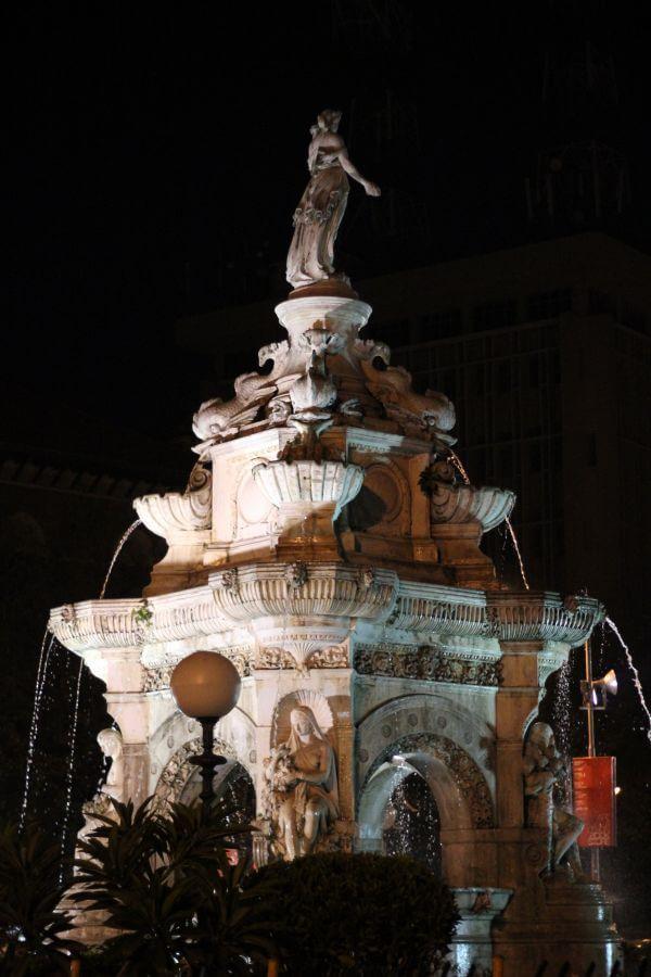 Flora Fountain Mumbai photo