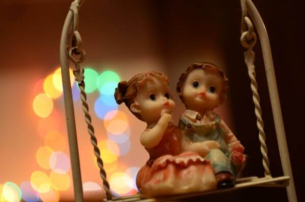 Bokeh Lights Couple Statue photo