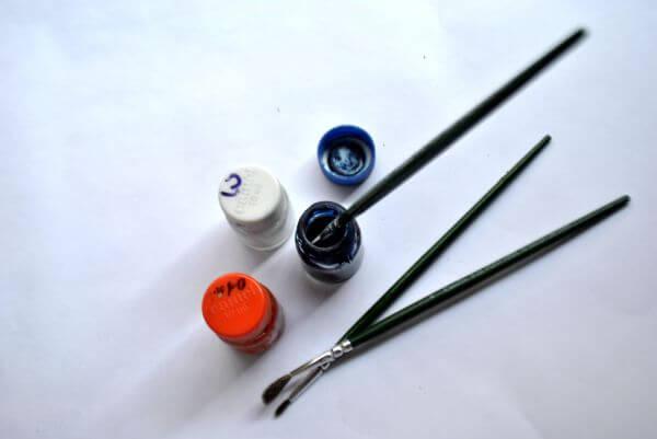 Painting Bottle Brush photo