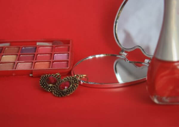 Earring Makeup Instruments photo