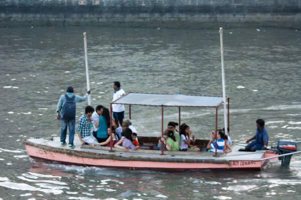 Boat Ride Mumbai photo