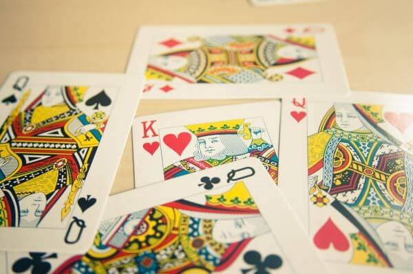 King Between Queens Cards photo