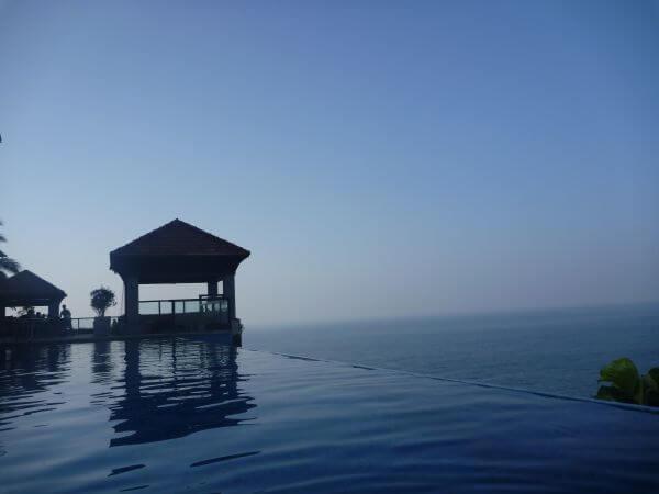 Infinity Pool Hotel Sea photo