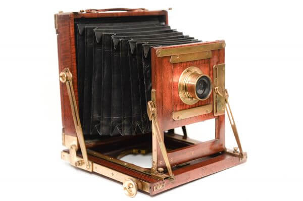 Wooden field camera photo