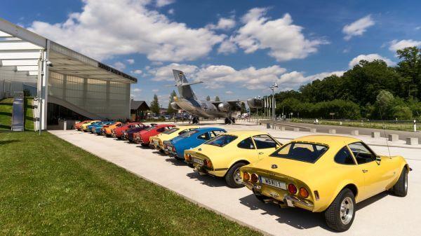 Opel gt  airport  aircraft video