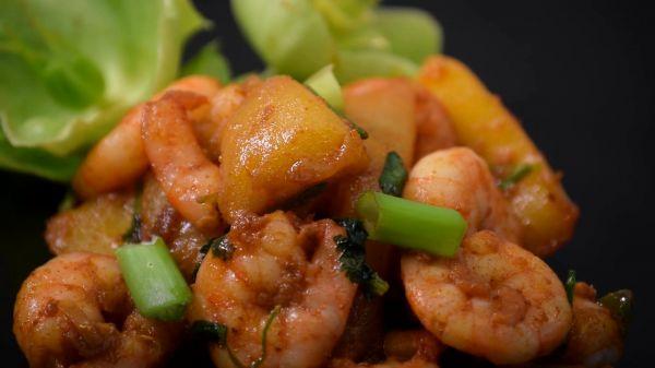 Prawn mango  stir fry  cuisine video
