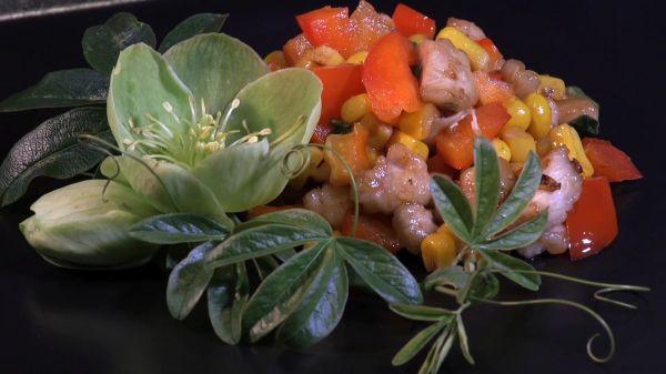 Chicken sweetcorn  stir fry  carrot video