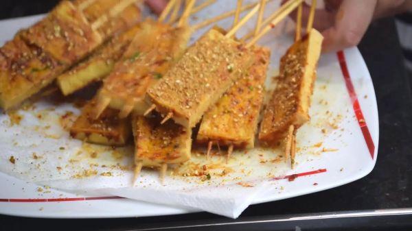 Tofu  skewers  street video