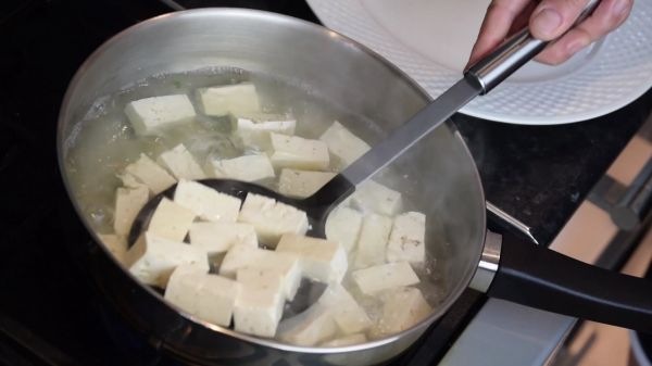 Blanch  tofu  food video