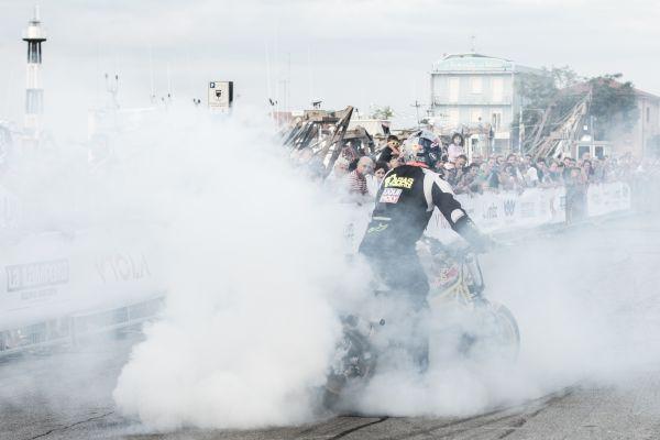 Burnout stunt biker photo