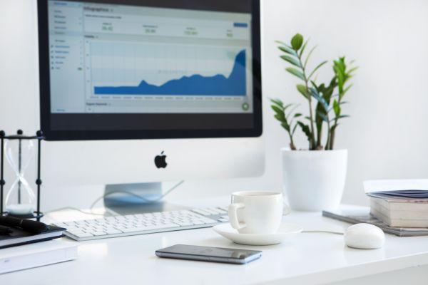 Mac Charts UX Graph White Minimal photo