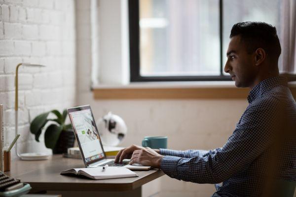 Laptop Desk Minimal photo