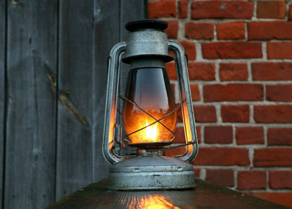 Lantern Light Brick Wood photo