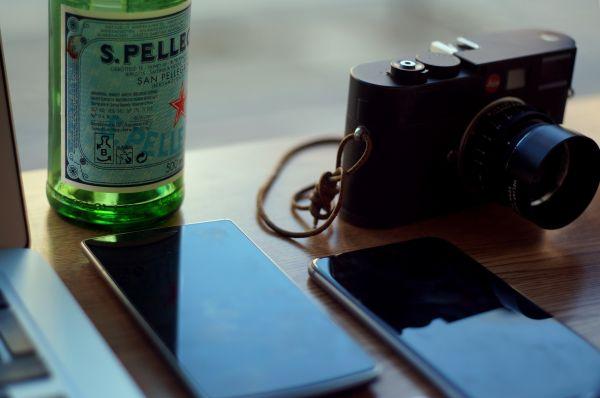 Leica Camera Mobile Device photo
