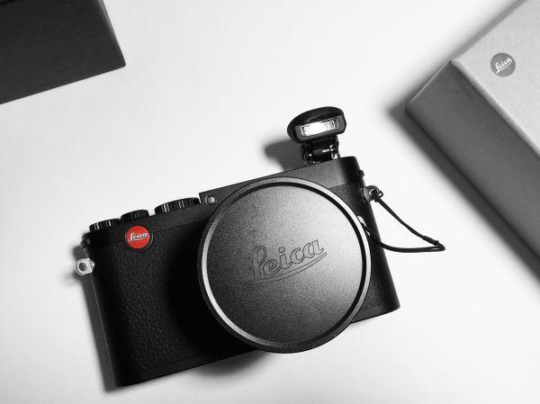 Black Leica Camera photo