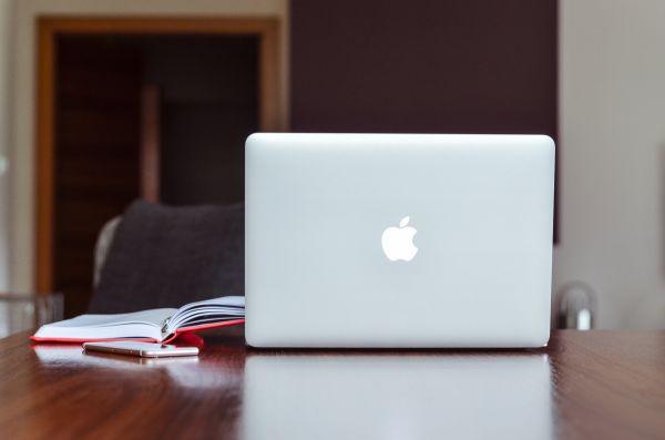 MacBook iPhone Red Notebook photo