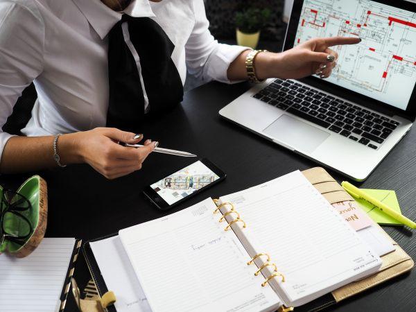 Business Woman Laptop Plans photo