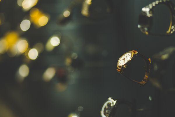 Gold Round Anaolg Watch photo