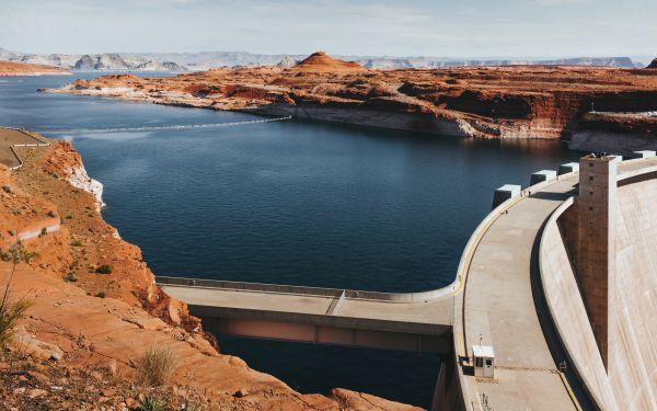 The Glen Canyon Dam photo