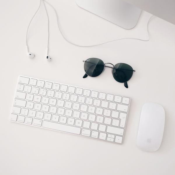 Minimal Mac Keyboard & Mouse photo