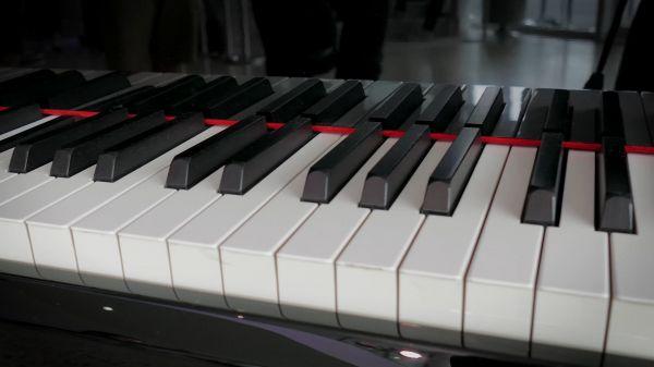Piano  music  spirit video