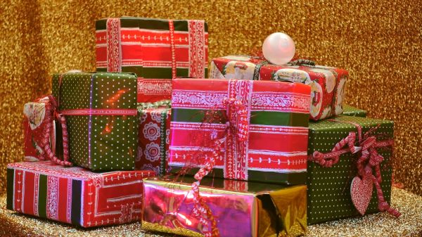 Christmas celebration  gifts  christmas time video